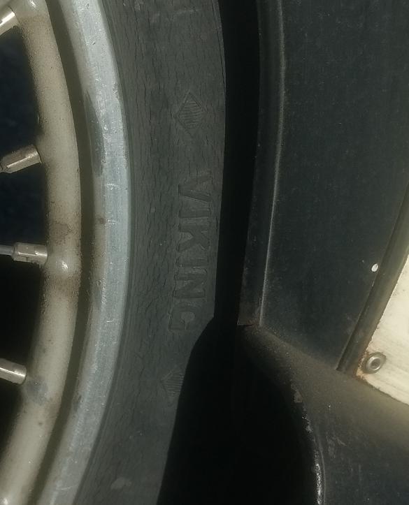 sprickor i däck