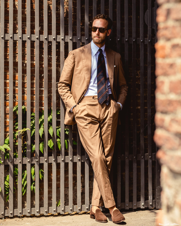 En bomullskostym utstrålar i mitt tycke avslappnad elegans och är en av de  kostymer jag bär såväl till vardags som på solsemestern. (Foto  Milad Abedi) 31398489b4336