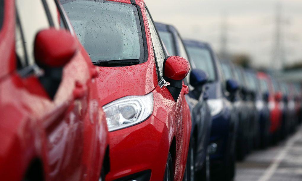 Coronakrisen: Bilförsäljningen rasar kraftigt