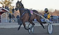 15 april 2015 Solvalla/Åby (V86)