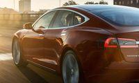 Elon Musk: Tesla Model 3 kommer 2017 – så mycket ska den kosta
