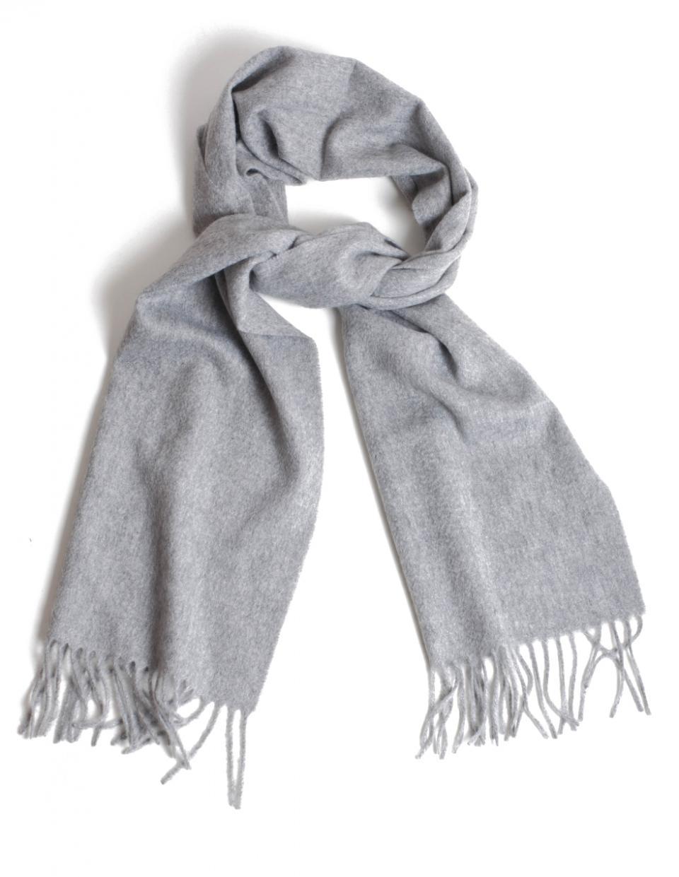 Prisvärd scarf i 100% kashmir från svenska Myrqvist. (även översta bilden) bd5b9b2a18065
