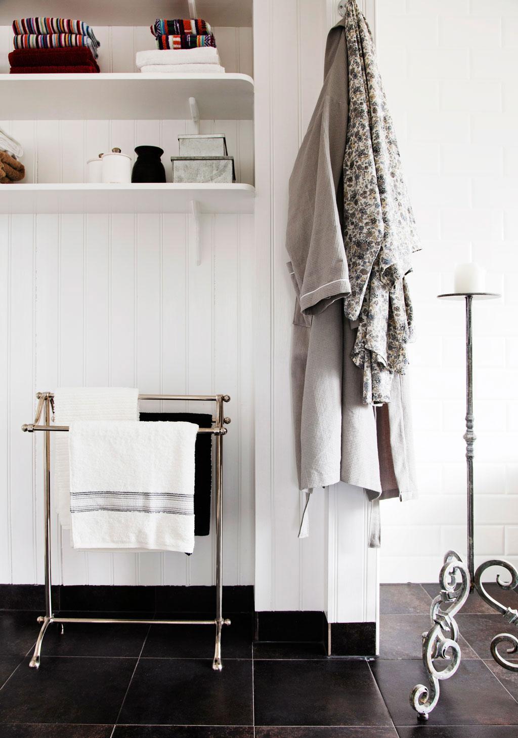 Coolt med kopparkar i badrummet – hus & hem