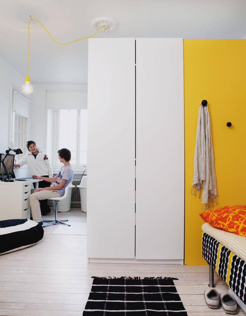 Garderob garderobsdörrar 60 cm : Dubbel glädje i delat rum – Hus & Hem