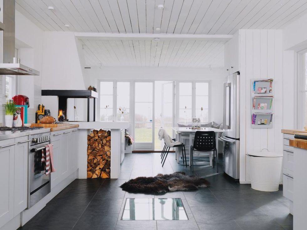 Kok Med Matplats : och glasdorrar mot havet fick koket en verandadel med matplats