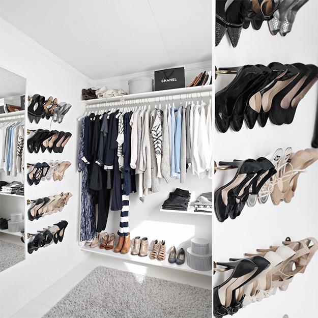 Häng upp dina snyggaste skor och låt dem bli en inredningsdetalj.