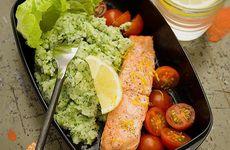 Ugnsbakad lax med broccoli- och potatismos