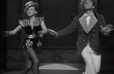 Modern låt matchad till dansscener från gamla filmer = succé!