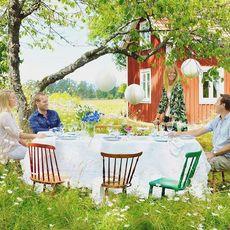 Sommarfest! Vi tipsar om hur du får till bästa festen i din trädgård.  Denna idylliska trädgård ligger i Lidköping. För fler ...