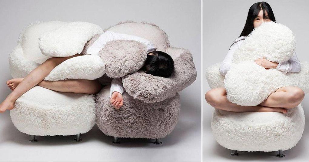 Här är soffan som delar ut gratis kramar