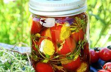 Fyllda tomater i olivolja
