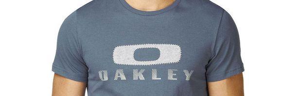 Oakley slimmar kläderna