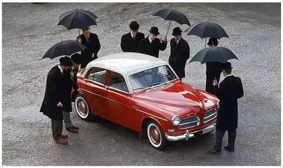 Var inte den första amazonen från 1956?
