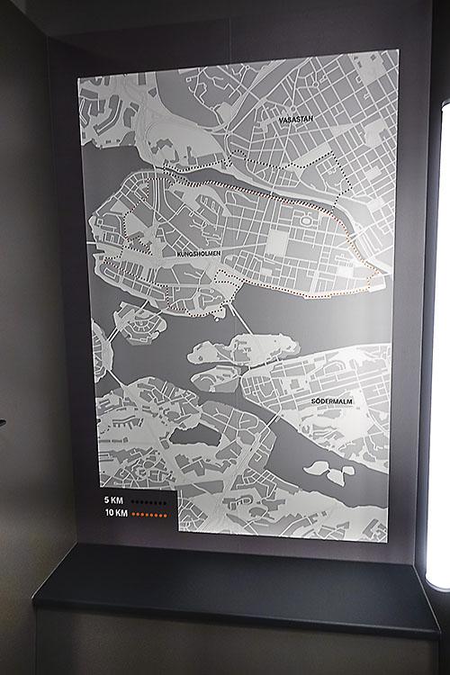 brand new 34daa 22f7c Provrummen lokalanpassas med kartor som tipsar om löparrundor eller andra  aktiviteter.