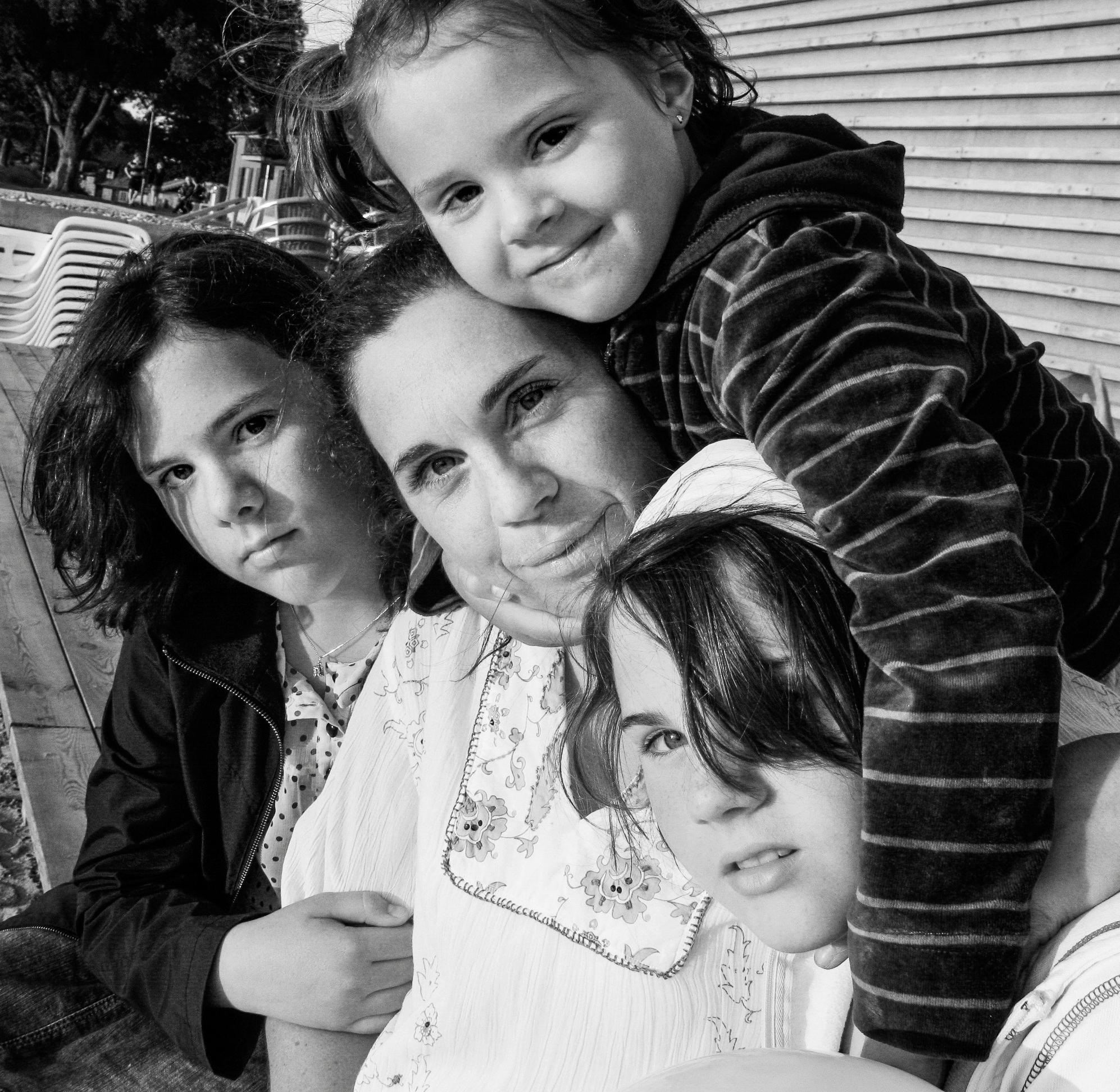 Nu fruktar familjen for dotterns liv