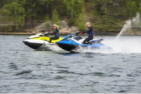 TEST: Sea Doo GTI vs Yamaha EX Deluxe – Båtnytt