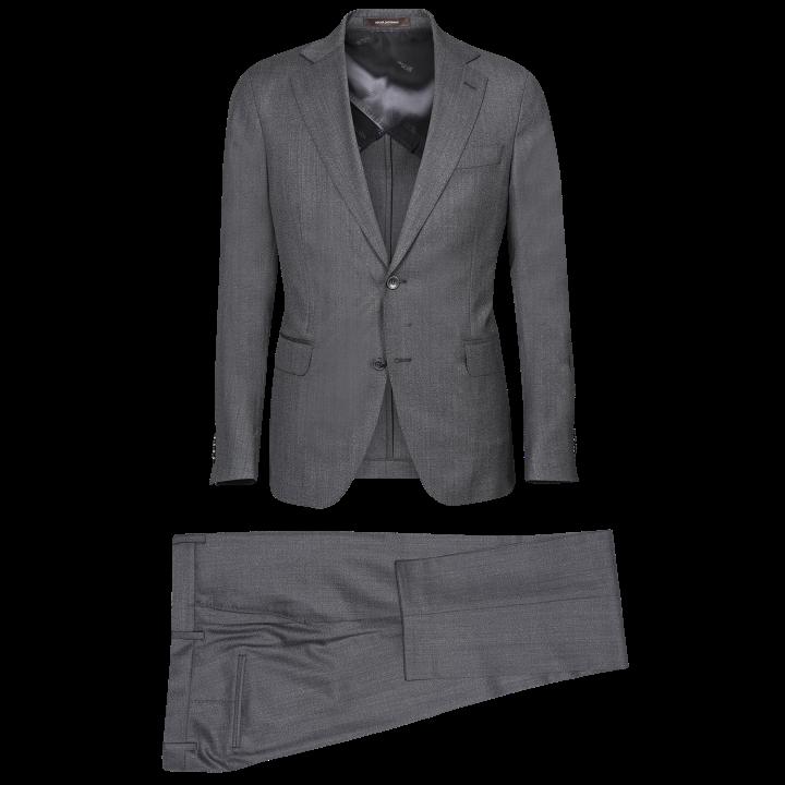 Grå enkelknäppt kostym från Oscar Jacobson i modellen Egel med ull från  väveriet Drago. 3bdebf14c1aff