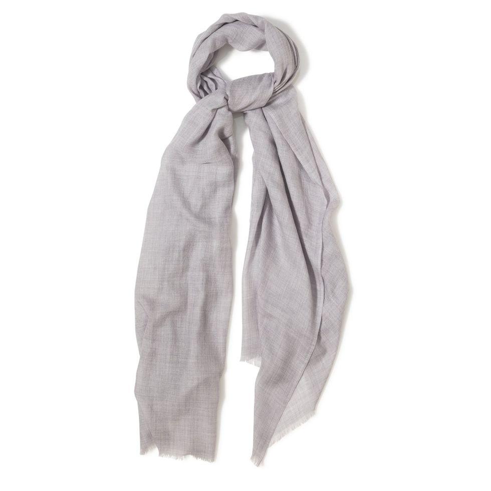 Lyxig scarf i supertunn kashmir från specialisten Andrea´s 1947. b7404be5620a4