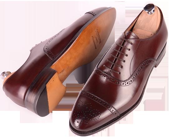 Burgundy är ett intressant alternativ till brunt som passar väldigt bra  till både blå och grå kostymer. Här i form av ett par Semi Brogues från  prisvärda ... bfe510990c248
