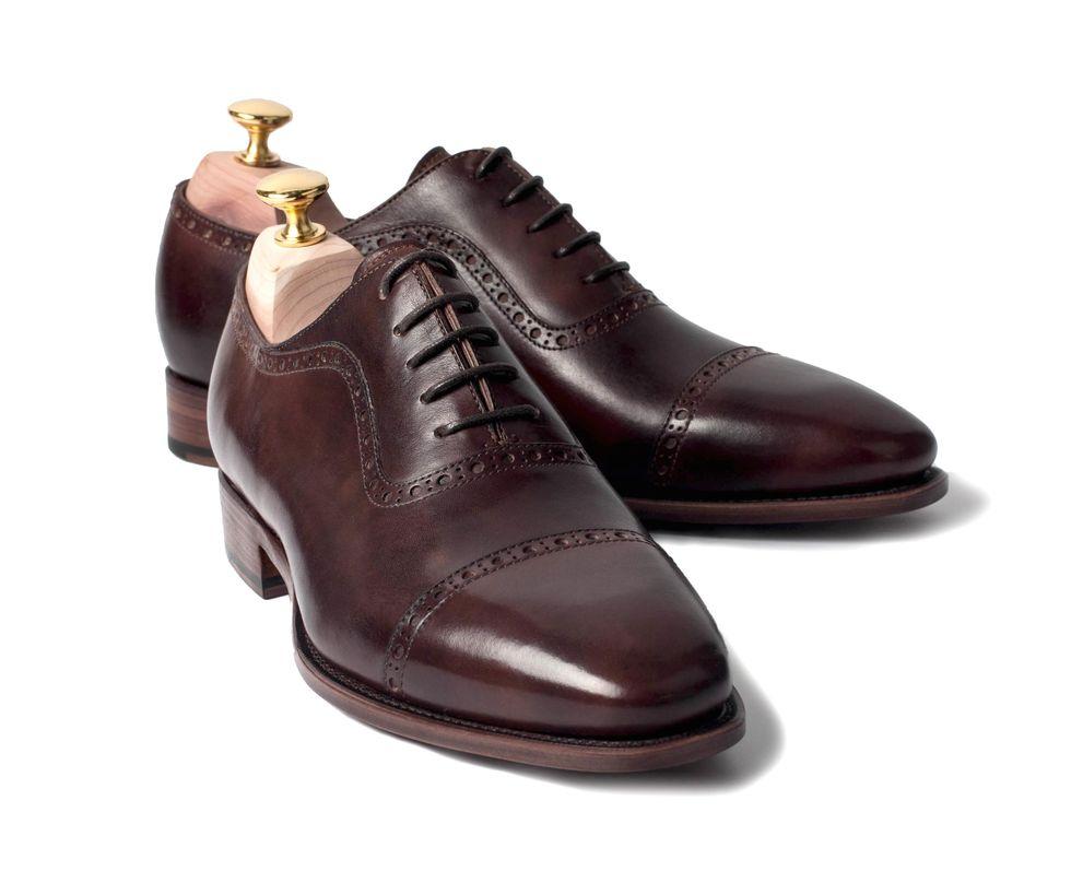 aaec6f9af02 Det är kläd- och skovårdsspecialisten Herrstil.com som idag lanserar en  kollektion av prisvärda randsydda skor ...