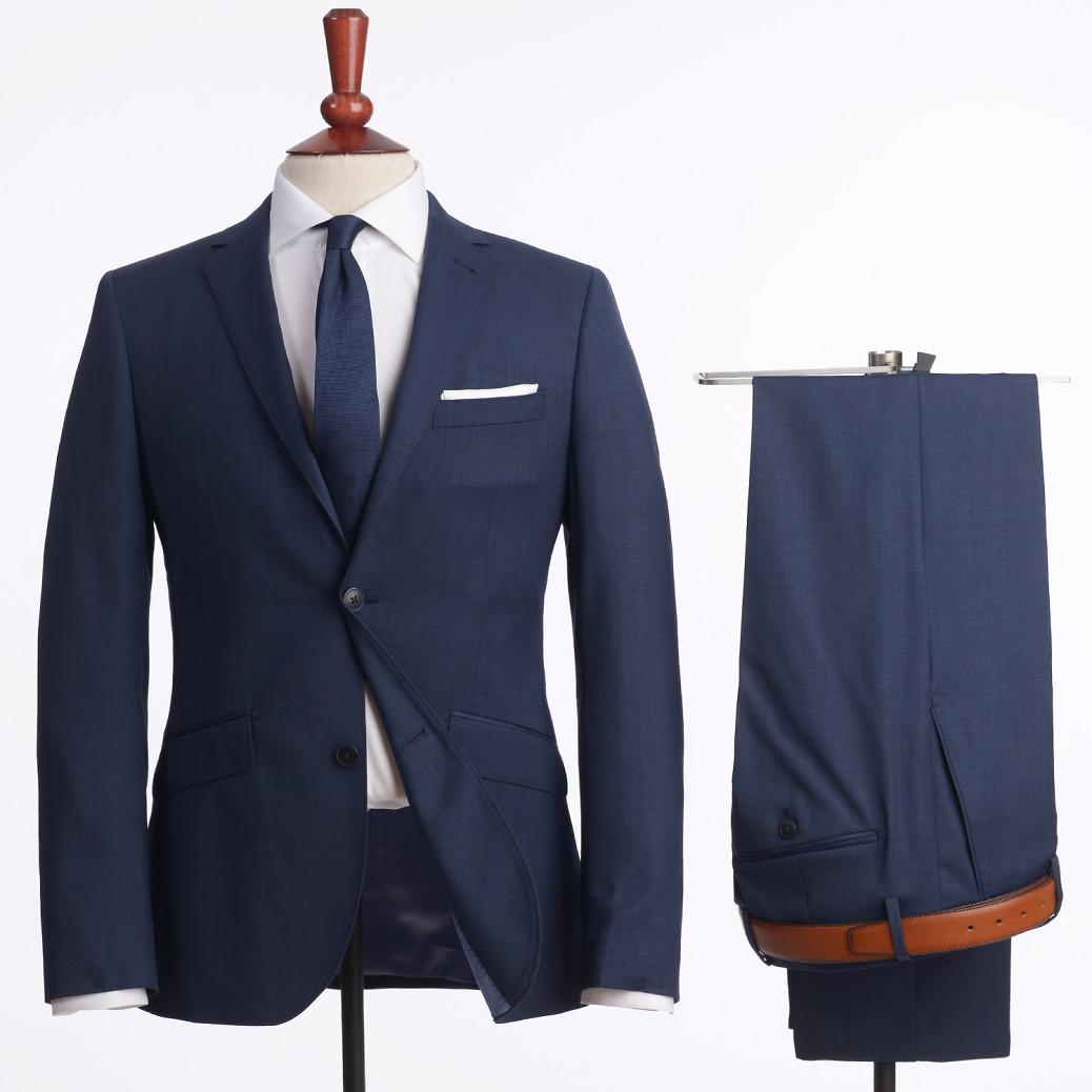 Vi är mitt uppe i studenttider i Sverige och för många är det den första  riktiga introduktionen till kostym. I dagens artikel tänkte jag ge konkreta  tips på ... 82fabbc5bf4c5
