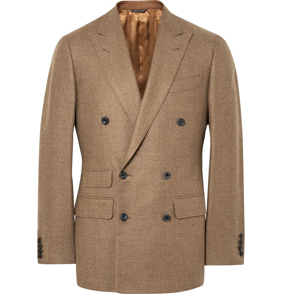 Dubbelknäppt kavaj i beige ull som passar otroligt bra till mellangrå  flanellbyxor och benvit polotröja. 4f784f3409511