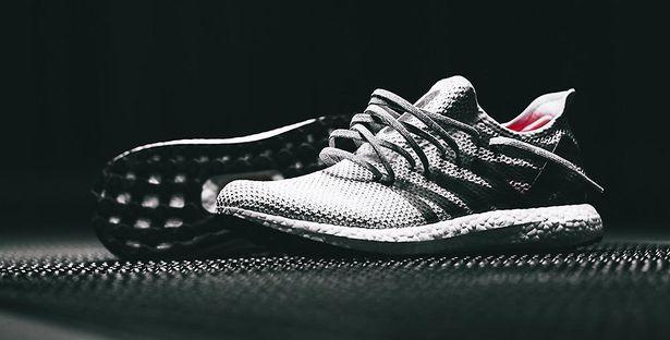 purchase cheap 06340 1906d Första skorna från Adidas robotfabrik