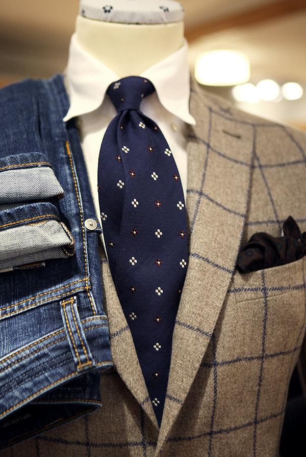 Tre olika mönster kombinerat med en enfärgad bas i skjortan och färger som  subtilt plockas upp snarare än övertydligt matchas. (Rose Born) ff60ec0227883