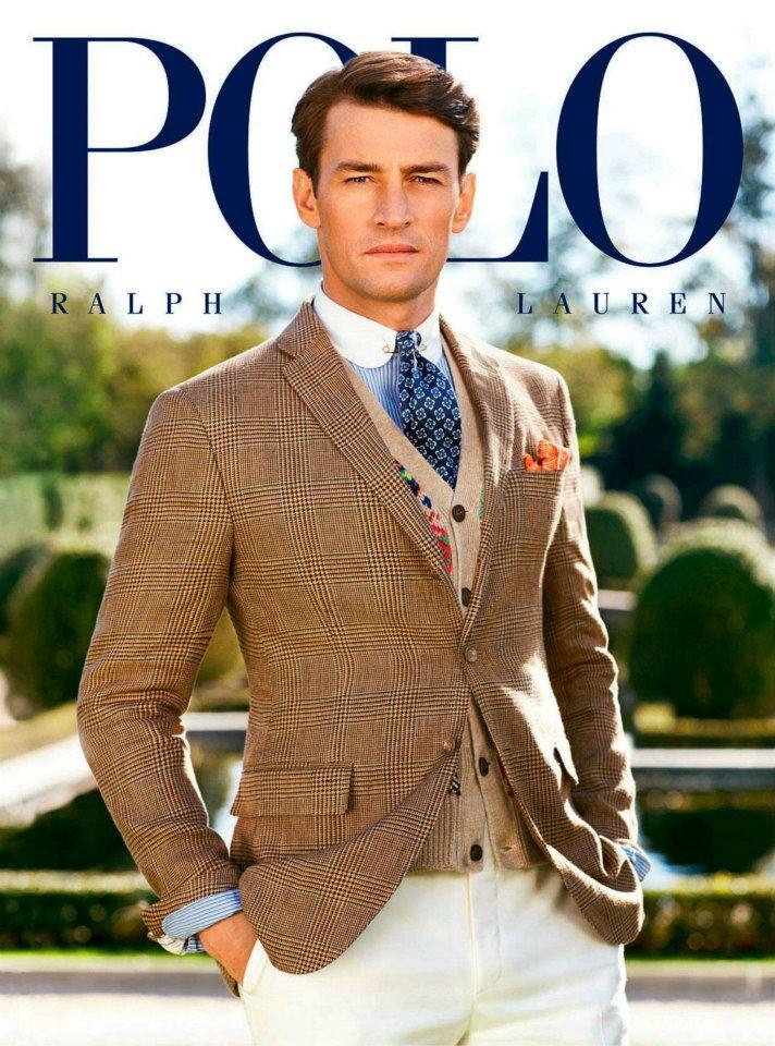 Ralph Laurens annonser för linjen POLO är välkända för att ofta kombinera  mängder med mönster och färger i en och samma klädsel. b1679695f888d